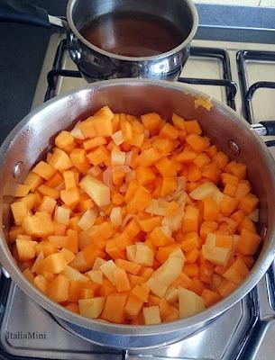 Etap zupy dyniowej