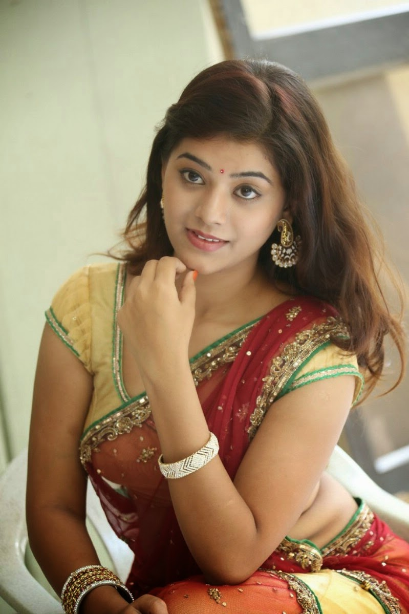 Yamini Telugu Actress Hot Photoshoot  Know Rare-7843