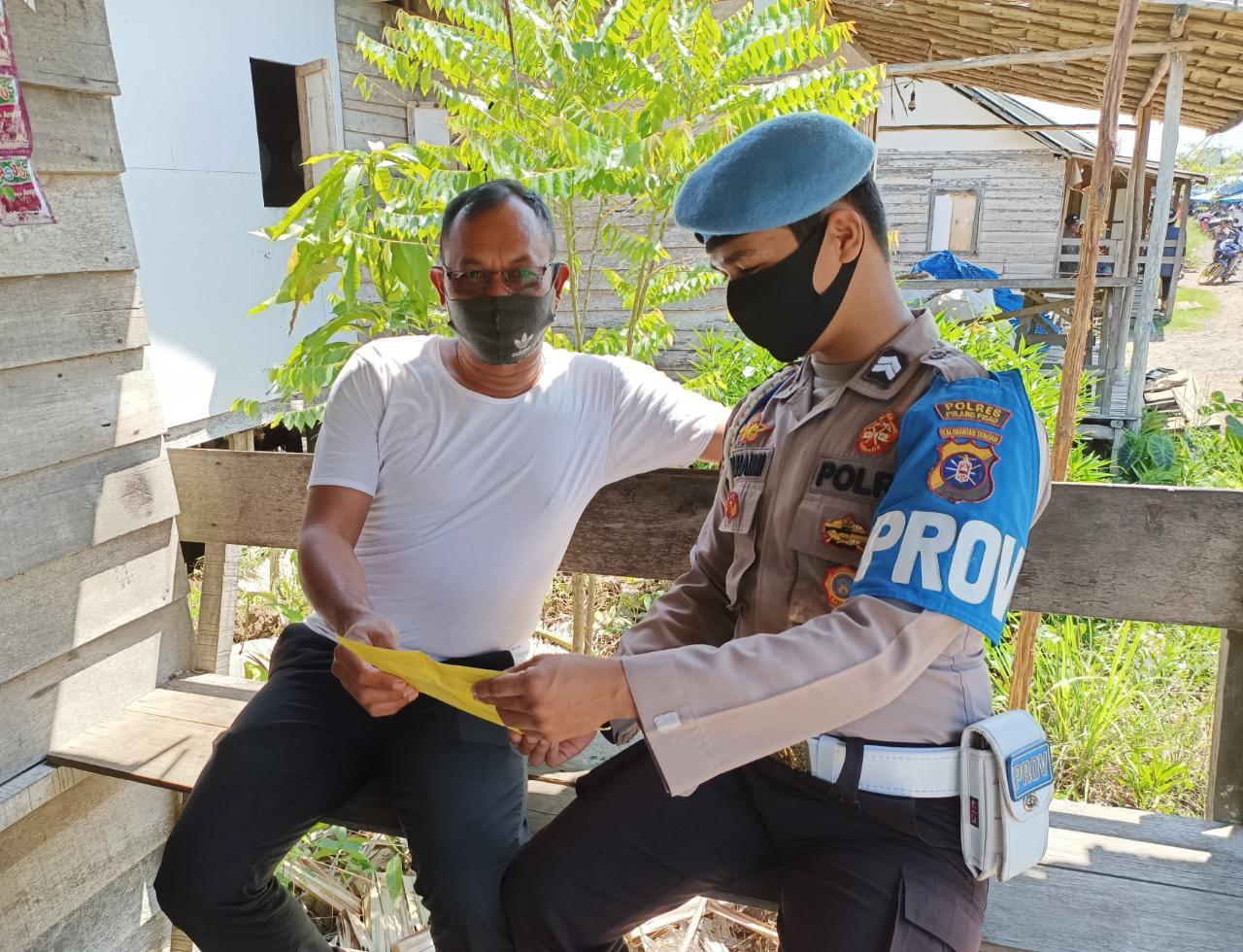 Cegah Penyebaran Virus Corona, Personel Polsek Kahayan Kuala Lakukan Sosialisasi Protokol Kesehatan
