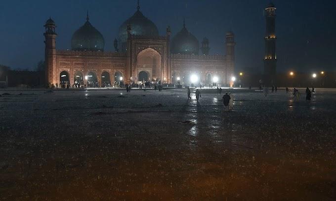 لاہور میں دوسرے دن بھی  گرج چمک کے ساتھ تیز بارش