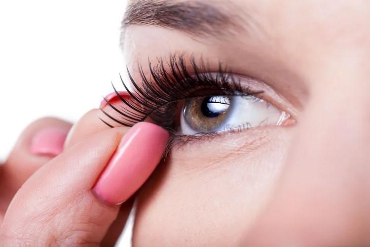 Cách trang điểm mắt và làm đẹp cơ bản bạn nên biết