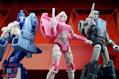 Transformers Kingdom Arcee 57