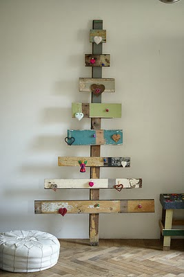 Christmas Trees For Small Apartments.6 Creative Christmas Trees For Small Spaces Plus Deco
