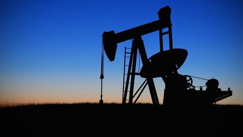 Запасы сырой нефти в США растут