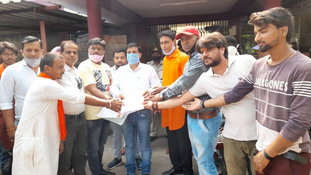 Jhabua News- दशहरा पर इस वर्ष 11 फीट का रावण दहन विभिन्न संगठनो के प्रतिनिधियों की उपस्थिति में होगा