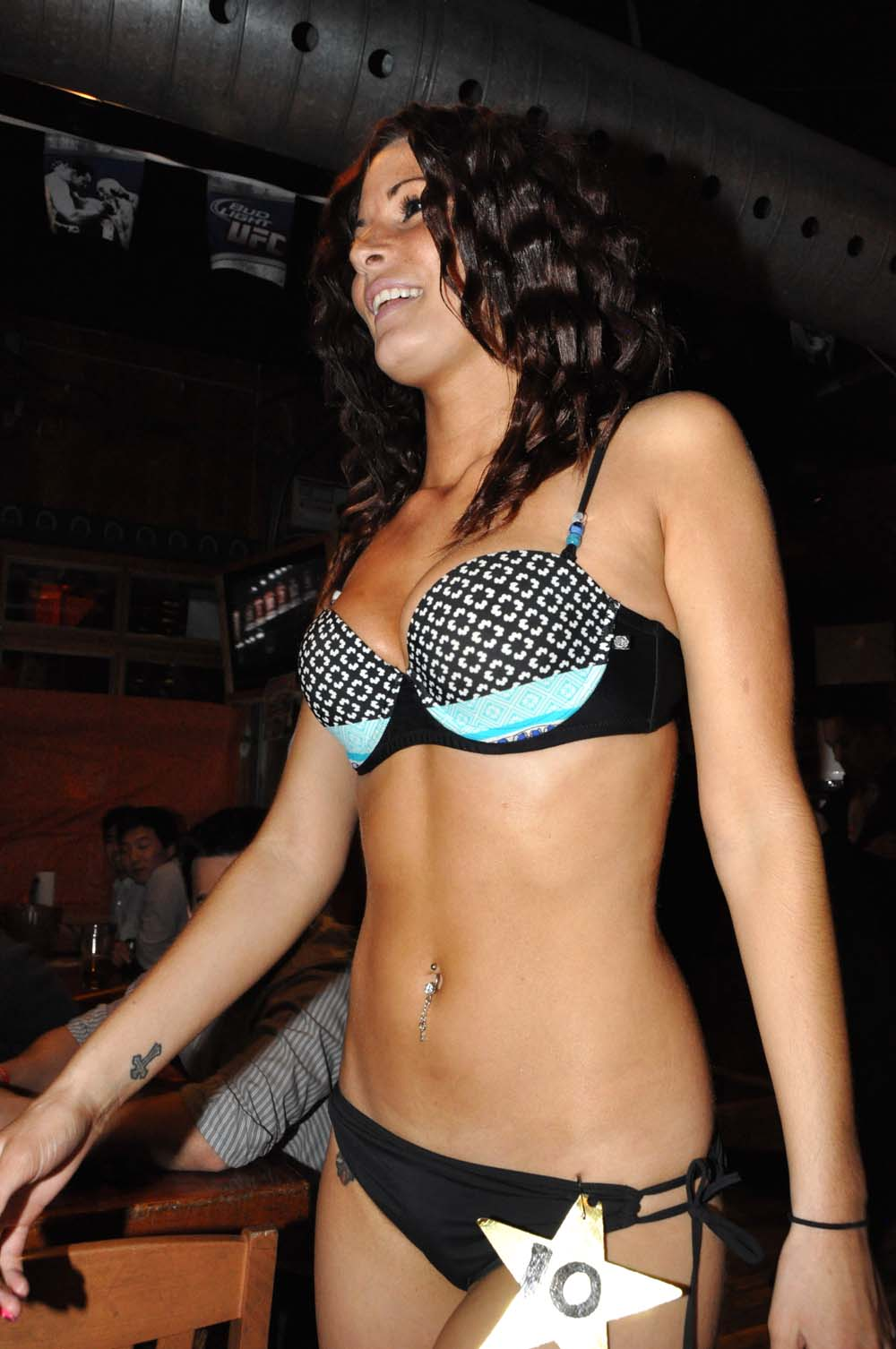 bikini 2008 huntsville hooters