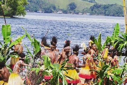 Festival Danau Sentani (Fds) Ix Dengan Pelepasan 100 Lampion