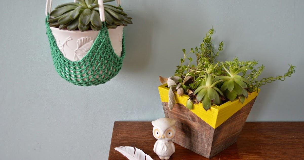 mes petits pots de succulentes crochet et peinture lily 39 s little factory blog diy bretagne. Black Bedroom Furniture Sets. Home Design Ideas