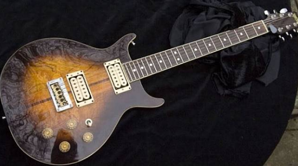Gitar termahal di dunia: Bob Marley's Custom Made Washburn 22 Series Hawk