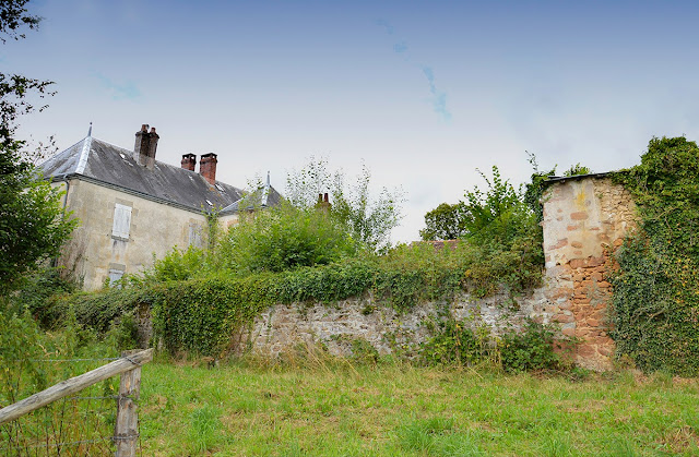 Property in France, buying and selling in France,