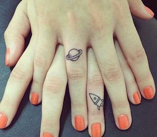 tatuajes amigas otro mundo