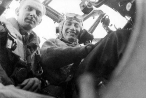 WW2 Polish Division 307-Lwowskich Puchaczy-L-R- Lt Leon Michalski and Lt pilot Alfred Suskiewicz in Mosquito VI Nov1943