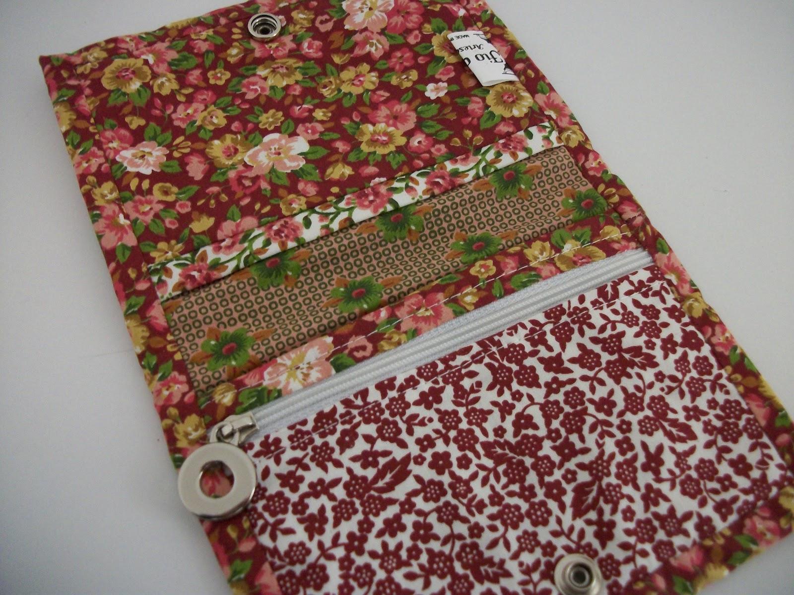 0b52174f2 Atelier Fio a Fio: Carteira em patchwork