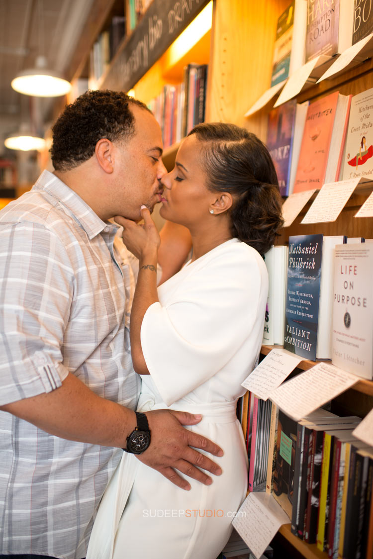 Literati Book Store Romance Engagement session - Sudeep Studio.com Ann Arbor Photographer