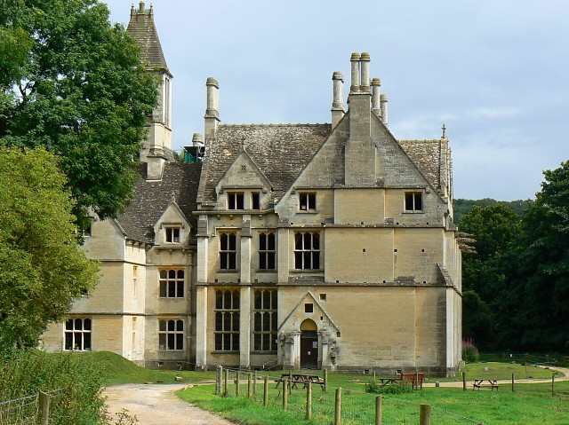 Seeks Ghosts: Most Haunted English Manor House: Woodchester