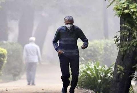 दिल्ली की हवा राष्ट्रीय राजधानी के कुछ हिस्सों में 'बहुत खराब' श्रेणी में खराब हो जाती है