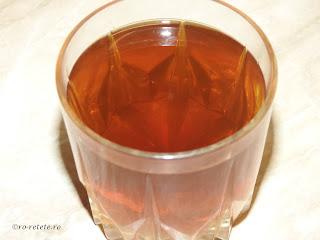Zeama de urzici reteta pentru sanatate detoxifiere schimbarea intinerirea sangelui intarirea imunitatii ceai din urzica fiarta de casa naturist natural leac tratament remediu,
