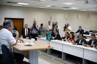 http://vnoticia.com.br/noticia/2503-populacao-do-rio-sentira-mudancas-na-seguranca-em-ate-4-meses-diz-jungmann