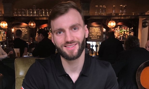 Un uomo albanese di 29 anni trovato morto in prigione in Inghilterra