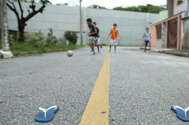 Vizinhança: Mulher toma bola de crianças e caso vai parar na Polícia