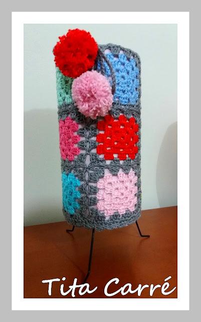 Abajur em crochet com pompom