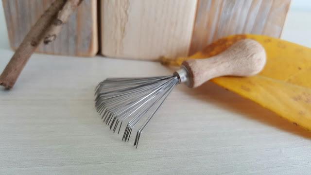 rateau-pour-nettoyer-brosse-cheveux