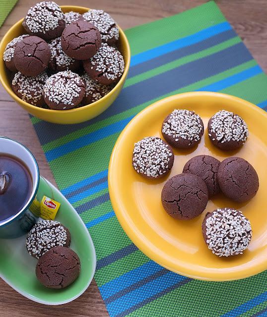 Постни таханово-какаови курабии
