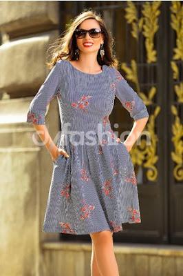 Rochie eleganta de zi si birou cu dungi si maneci ieftina de toamna