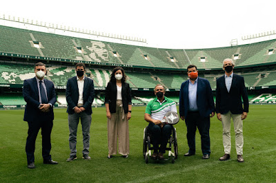 La FEP, Patrocina un Deportista y la Universidad de Loyola impulsan la instalación de una pista de pádel en el Hospital Nacional de Parapléjicos.