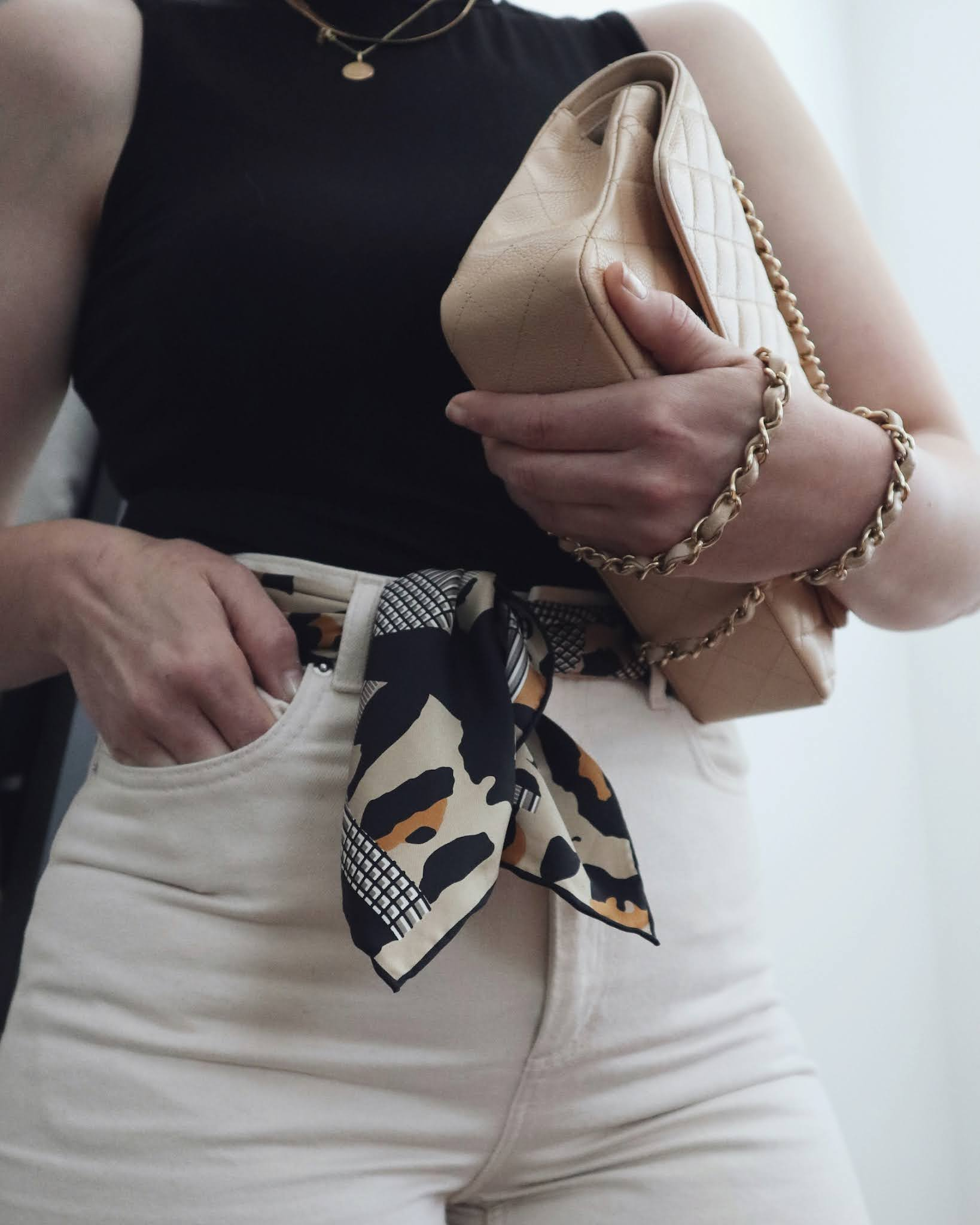 how to style a vintage scarf Dior vancouver blogger