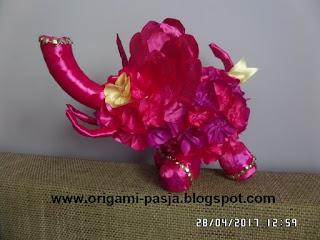 słoń, kwiaty, kanzashi, amarant, fioletowy, kula styropianowa, na szczęście, na preznet, urodziny, roczek, chrzest, imieniny, ślub, kwiaty,
