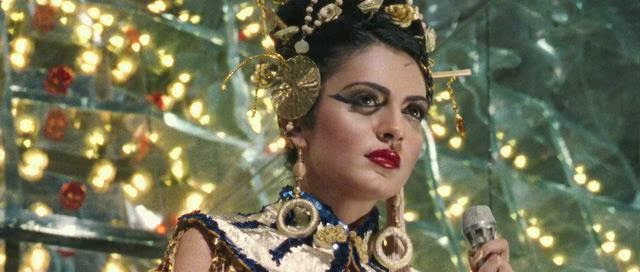 Screen Shot Of Hindi Movie Miss Lovely (2014) Download And Watch Online Free at worldfree4u.com