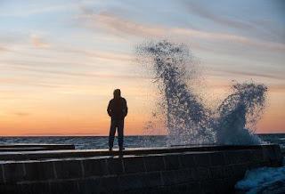 Puisi Harapan Laut Baru Karya Reinaldo H
