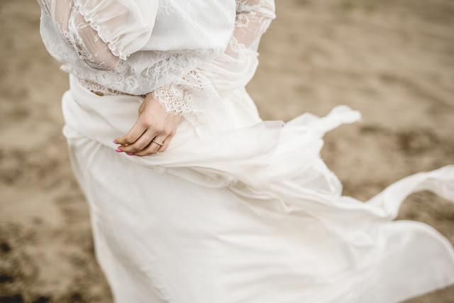 Detale na sukni ślubnej boho