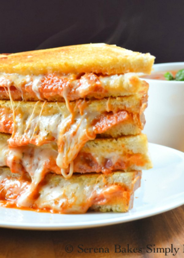 Pepperoni Pizza Grilled Cheese are easy to make dinner or lunch recipe filled with mozzarella cheese, parmesan, pepperoni, and homemade pizza sauce from Serena Bakes Simply From Scratch.