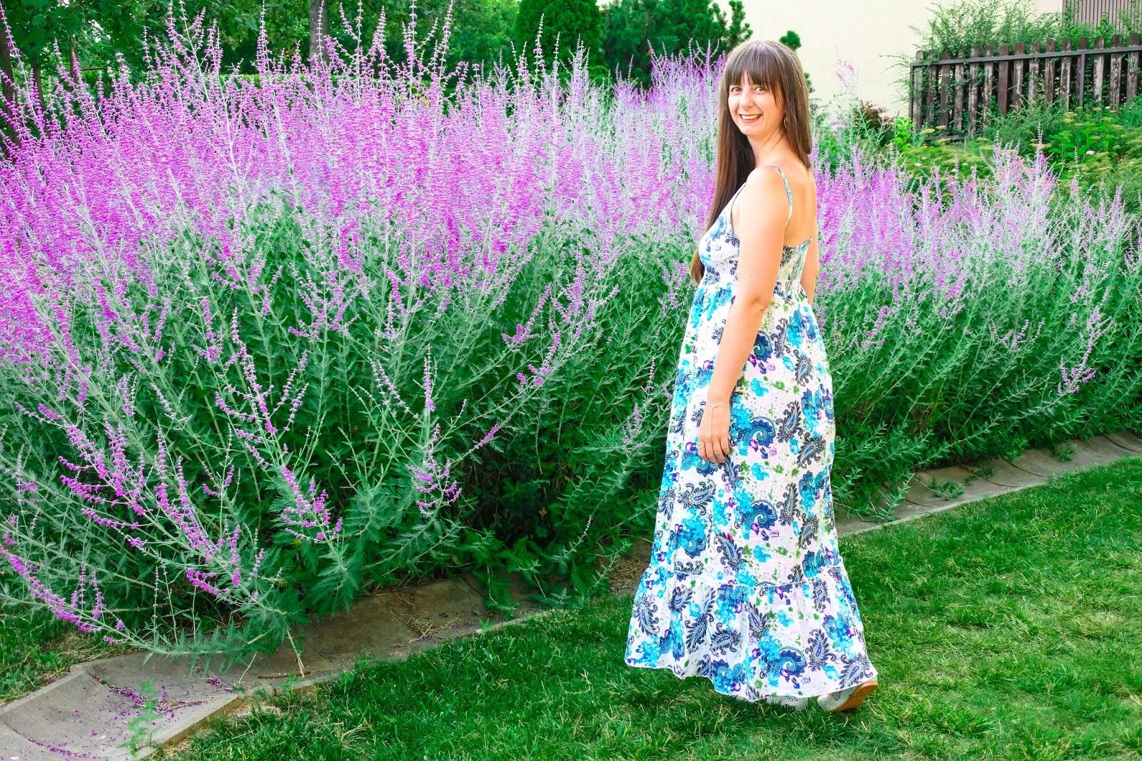 https://sanjaburgundy.blogspot.com/2019/07/violet.html