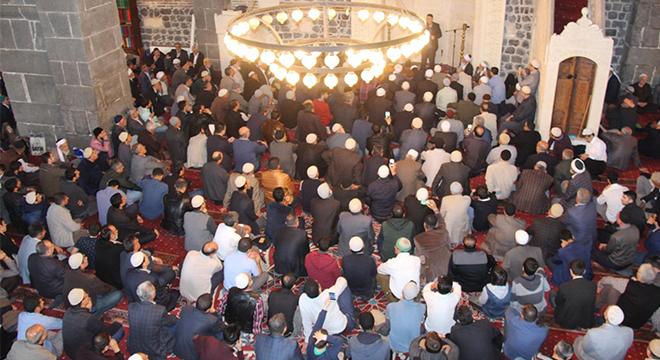 Bediüzzaman Said Nursi vefatının 58. yıldönümünde Diyarbakır'da yâd edildi