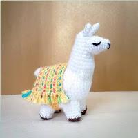 https://translate.google.es/translate?hl=es&sl=en&u=https://handcraftingalife.wordpress.com/patterns/lovely-lola-the-llama-amigurumi-pattern/&prev=search
