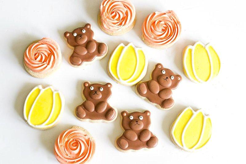 Teddy bear picnic party ideas via BirdsParty.com