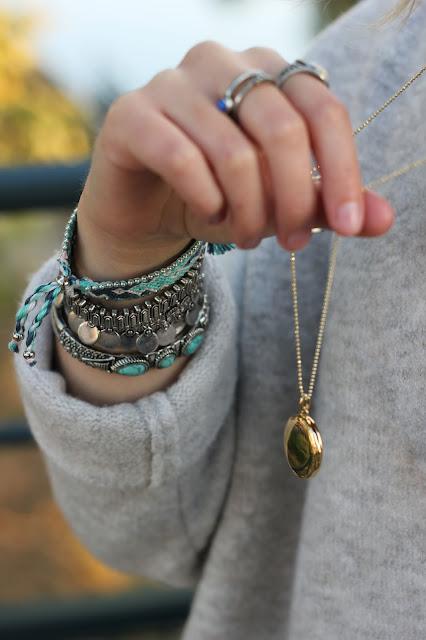 bijoux-bracelets-forever21-bagues-cache-cache-medaillon-stella-and-dot-look-mode-fashion-blog