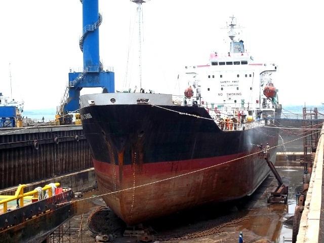 dry docking shipyard galangan