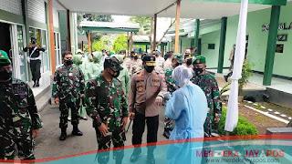 Kapolda Jateng Dampingi Pangdam IV Diponegoro Cek Pelaksanaan Vaksinasi Di RST dr. Asmir Kota Salatiga