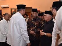 Presiden Jokowi dan Ibu Iriana Melayat Ibu Ani Yudhoyono