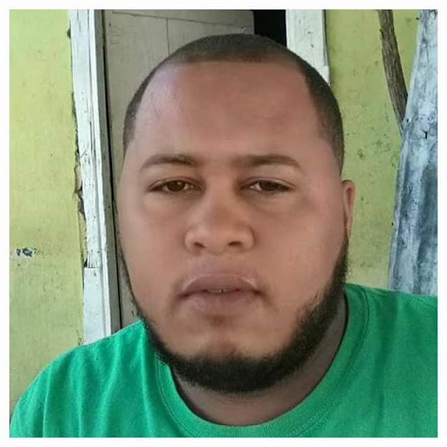 Joven pierde la vida al chocar con Camión en Pedernales