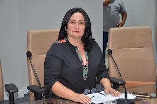 Vereadora Isaura Barbosa quer construção e instalação de cobertura para os mototaxistas da Avenida Nossa Senhora da Luz