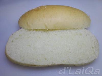 belah roti menjadi 2 bagian