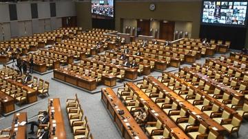 DPR Resmi Sahkan Omnibus Law Ciptaker