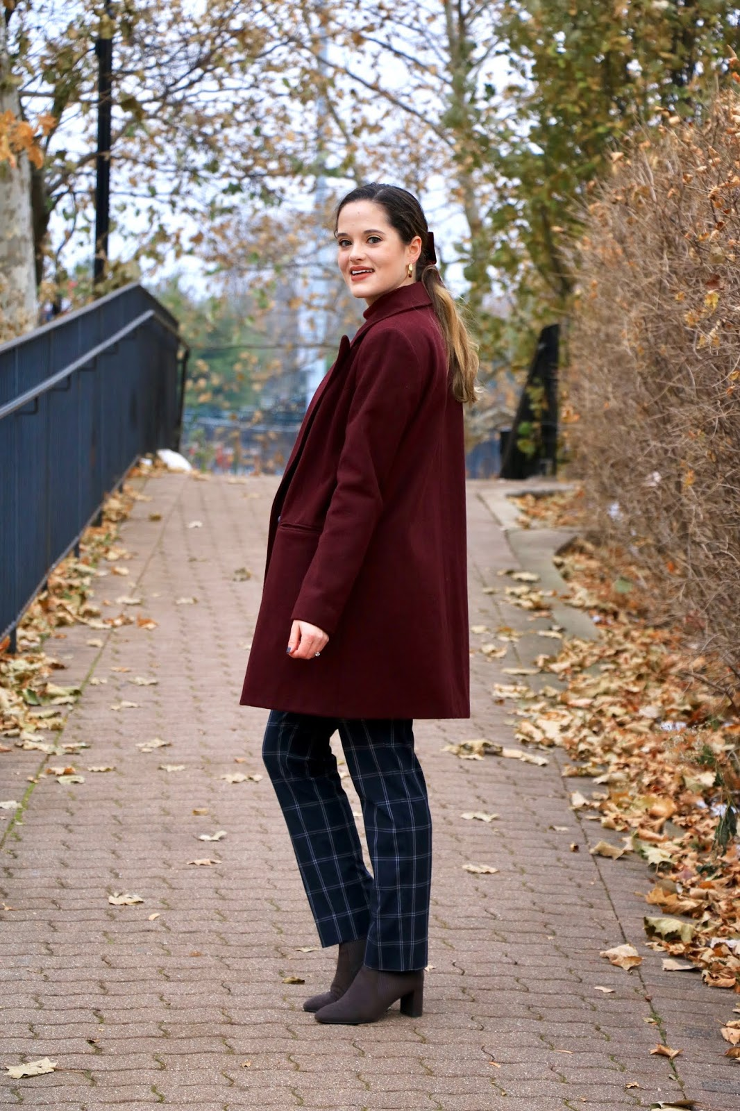 Nyc fashion blogger Kathleen Harper's cute outfit ideas for work.