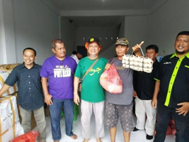 RCI Bersama PWI dan SMSI Riau Bantu Warga Terdampak Covid-19
