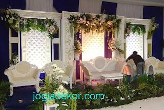 Dekorasi pernikahan lpp garden